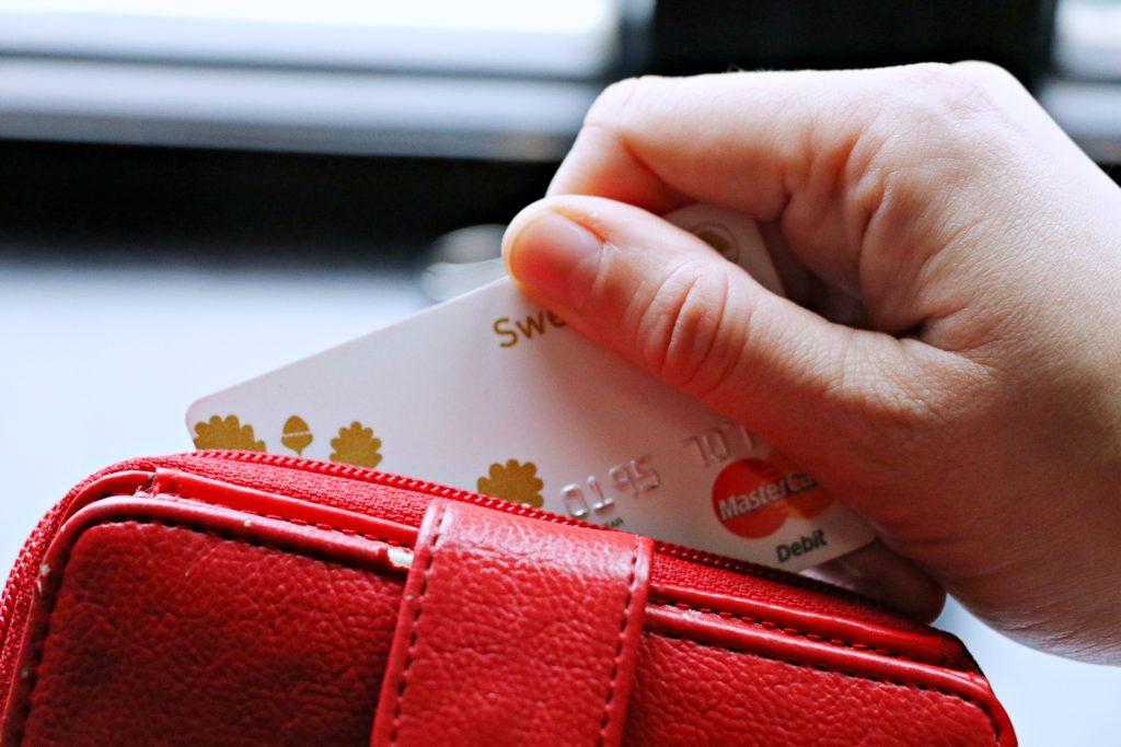 うさぎの飼い方まとめ_赤いお財布、飼育にかかる費用